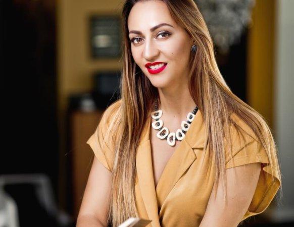 Моргунова Ирина, телесно- ориентированный терапевт, практикующий психолог, сертифицированный гештальт терапевт, сертифицированный практик от МГУ в работе с расстройствами пищевого поведения.