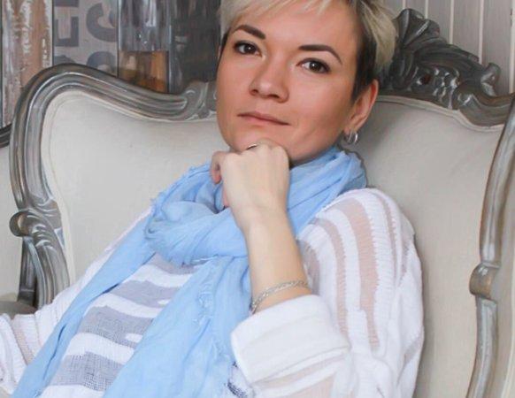 Марианна Драчева – Ведущая трансформационных игр с 2015. Диагност-консультант по вопросам психосоматических расстройств с 2016. Краткосрочное консультирование по выходу из кризиса, поиску решений. Автор и ведущая тренингов по тайм менеджменту и личному развитию